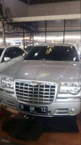 Chrysler 300 C Tahun 2011 Bisa Cash atau Credit