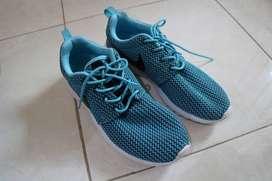 Nike Women Roshe Run Clearwater Cyan Original