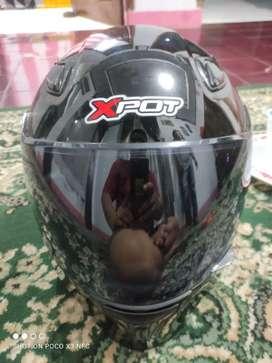 Helm full face hitam