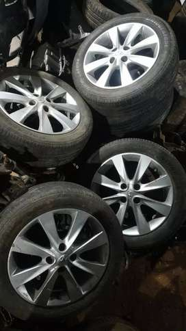 Hyundai fludic verna alloy wheels with tyres set of 4