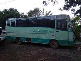 bus medium mercy MB800 ATL tahun 2000