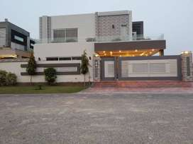 Superb Location 1 Kanal Brand New Bungalow For Rent In Low Budget