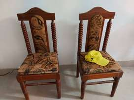 Chairs 4 pieces, solid wood. Very good condition.