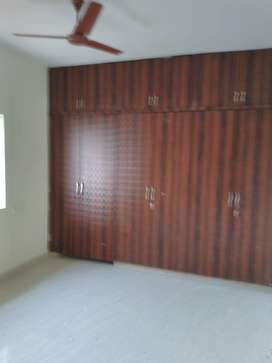 3 BHK semi furnished flat for rent in kondapur