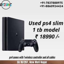 Used ps4 slim 1 tb, with 1 controller and all cables, DTzone moti naga