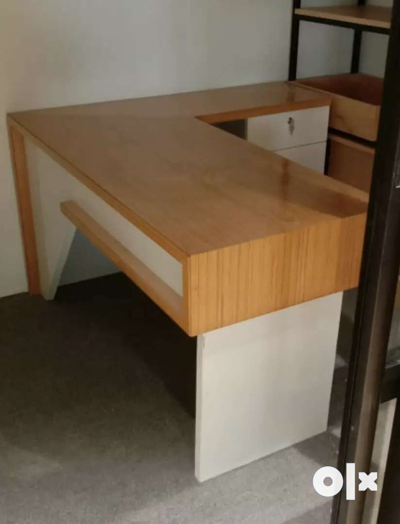 Office , Md computer table for sell 0