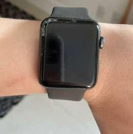 Apple Watch generasi ke 1, pecah layar.