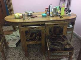 6 chair dining table for sale 3 yrs before purchased 4 side drawers