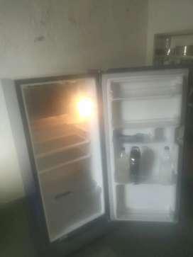 Whirlpool  Refrigerator DC (P) 205 5S