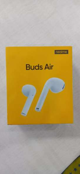 Brand New Realme air buds (SEAL PACK)