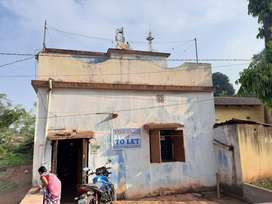 Swapnalaya, 7 to 8 years house with good location. Temple infront home