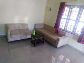 12000/- semi furnished near ponnurunni vytila