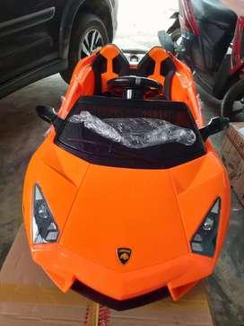 Mobil Aki Lamborghini Aventador