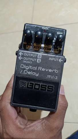 BOSS RV-3 REVERB DELAY