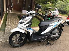 Honda Beat New Thn 2019 KM 3000 Putih Mulus 99% Like New