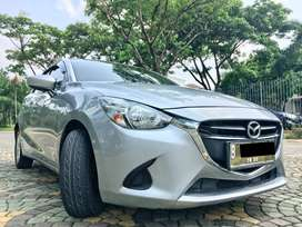 Mazda 2 skyactive 2014 jazz yaris