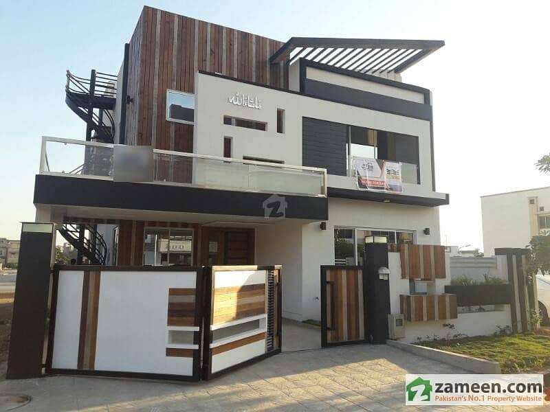 10 Marla Luxury House for Rent in Bahria Town Lahore 0
