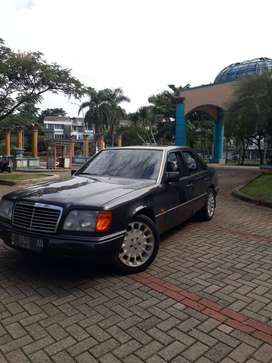 Mercedes Benz E300 Boxer Tahun 1992 MT Istimewah Ful Original