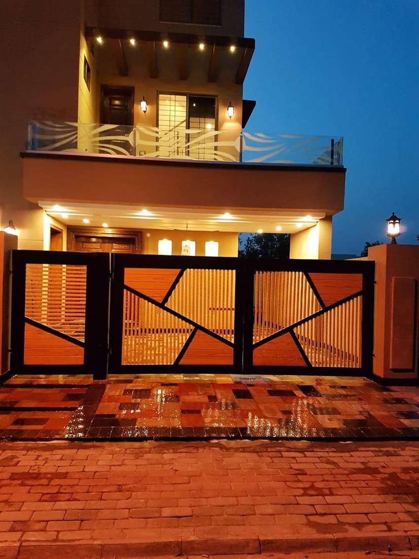 10 marla Barnd New full House for Rent Bahria Town Lahore 0