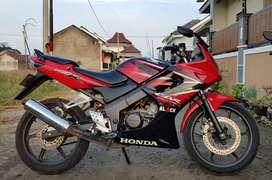 CBR 150R old CBU merah