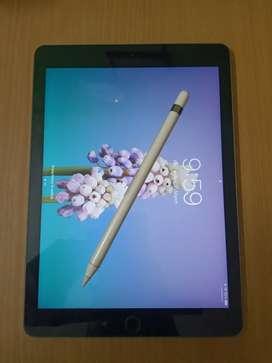 iPad 6th Gen 128GB WiFi with Apple Pencil Bill + Box + All Accessories