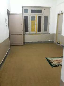 room for rent at flat at arbab road  uni town
