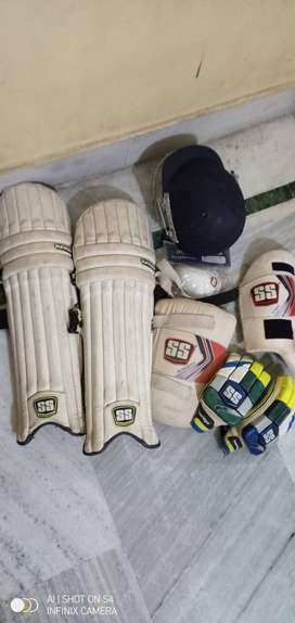 Cricket kit pad(brand SS) 18month old