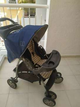 Branded  foldable Graco Baby Pram cum stroller with car seat