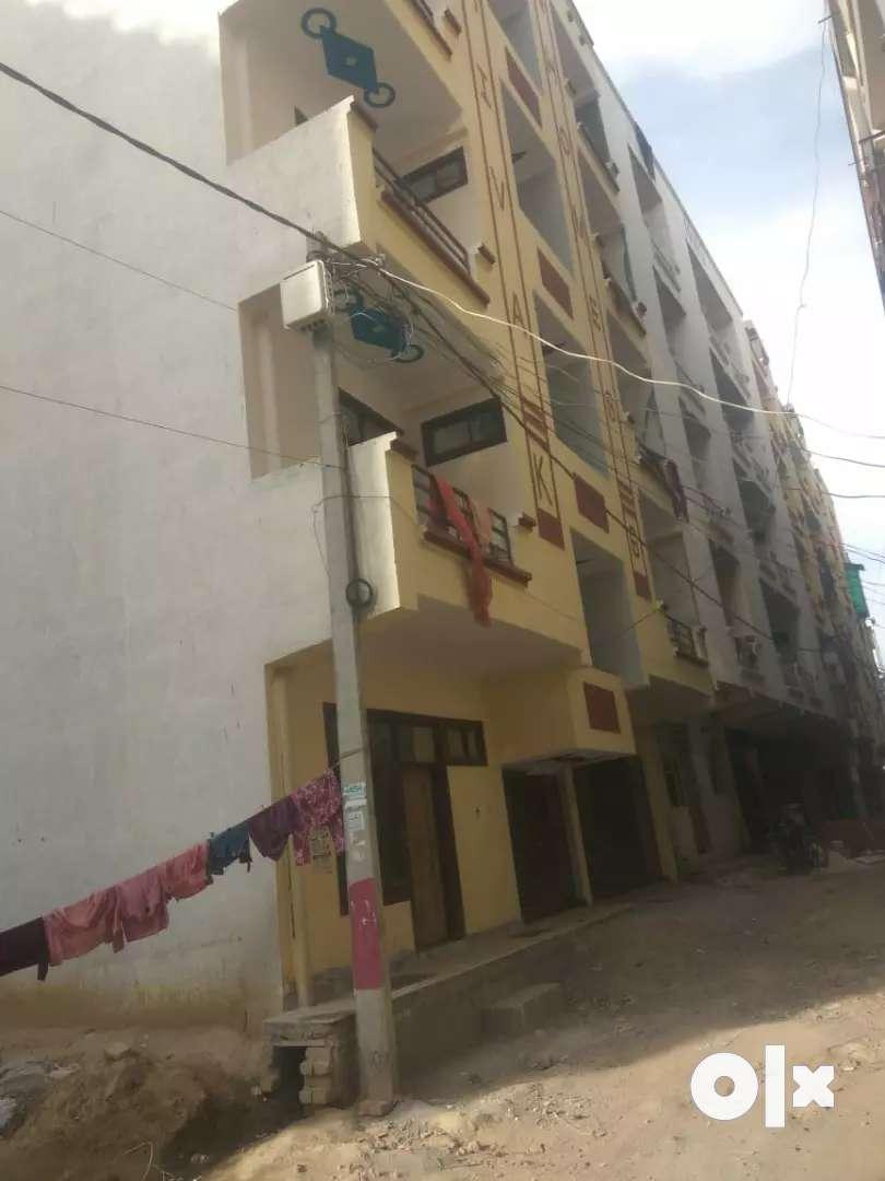 10 lakh reday to move 1bhk builder floor in balaji enclavr 0