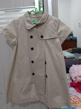 Jual dress model coat warna cream 6y