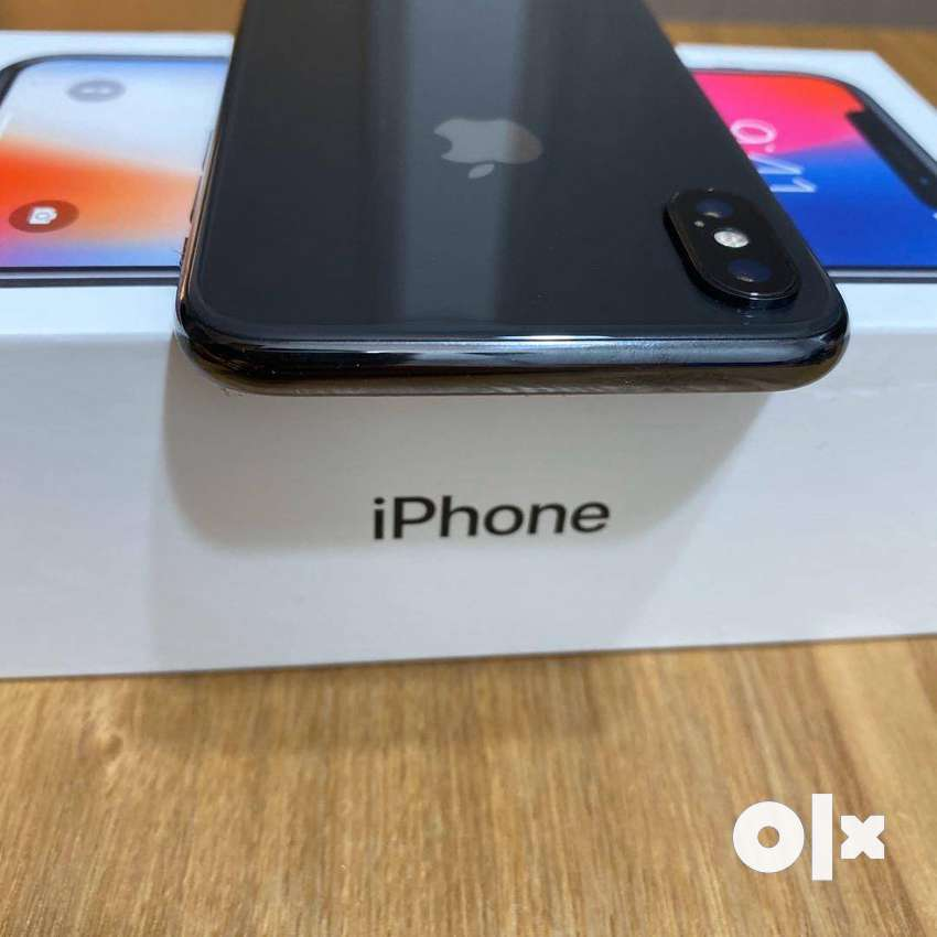 Apple IPhone X 64gb, is available with cash on delivery available 0