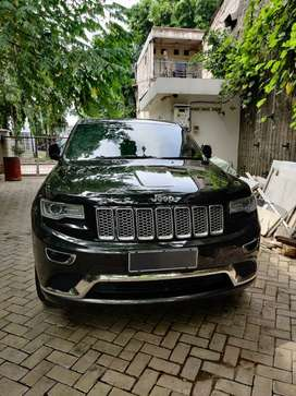 Di jual jeep grand cherokee 3.6 summit