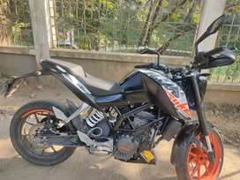 Ktm duke 200 with good condition...papers all good