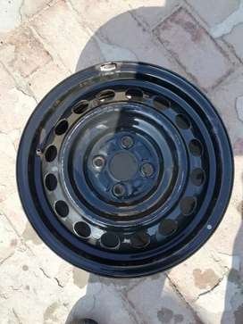 "15""  4 nut  4 rims plus orignal  cover 6000"