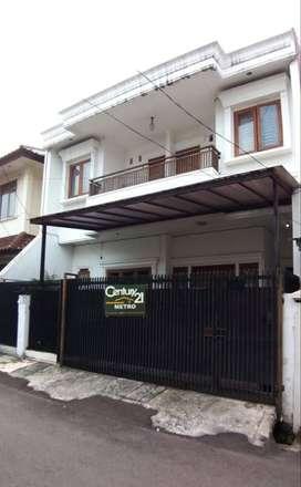 Murah Rumah 2 lt bs untuk kos-kosan dkt Mall Arion Rawamangun Jakarta