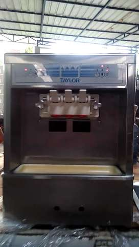 "Mesin Soft Ice Cream "" TAYLOR USA "" 3 TUAS"