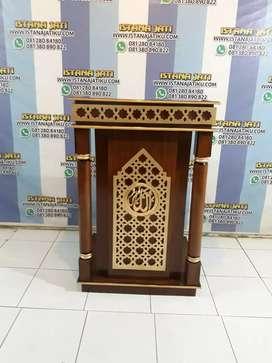Mimbar masjid  ukiran  tempel