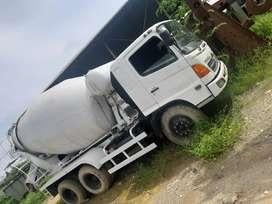 For sale Hino truk molen / Truk Mixer Concrete