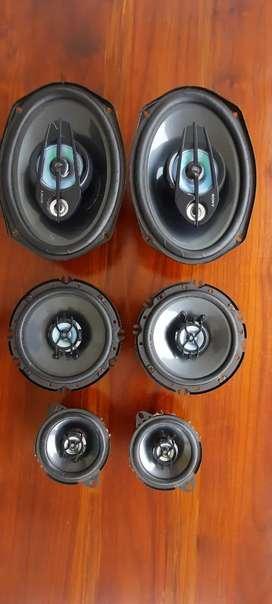 Sony xplod car speakers full set