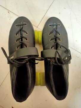 J.J jonex shoe skates