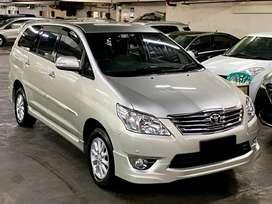 Toyota Innova V Luxury 2011 automatic low km