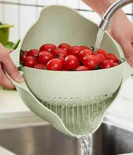 Dual layered strainer basket with 360 rotation
