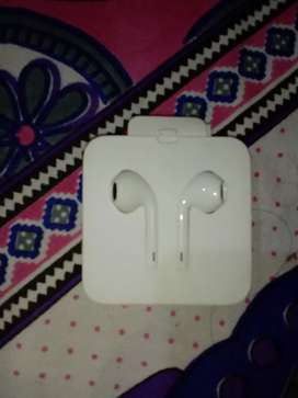 i want to sale my sealed iphone 7 earphone