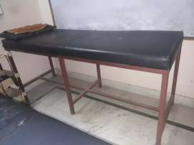 Treatment bed