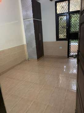 Front side flat Available for sale in Vaishali Sec - 5