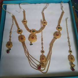 Jewel set of covering