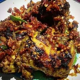 Ayam bakar/goreng dengan nasi 20k