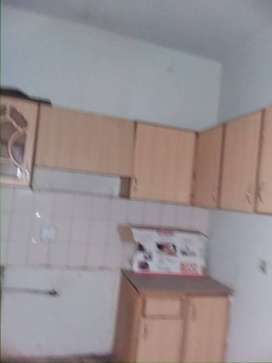 Chnce deal Main univrsty road ground floor 2bed lounge with extra land