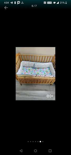 Baby Cot, can accomodate a 5 year toddler easily and comfortably