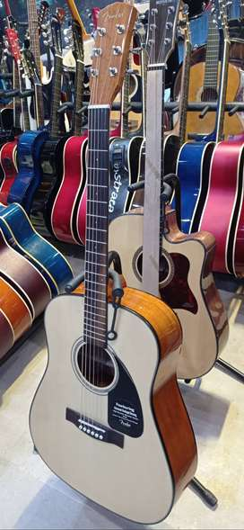 Quality Acoustic with bag and other accessories